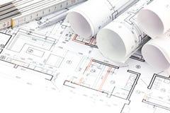Le fond architectural avec le plan, modèle roule, règle de pliage Photographie stock libre de droits