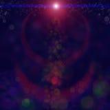 le fond brouillé et de Bokeh avec le scintillement rouge miroite bokeh de lumières de rayons sur le fond noir de ciel lumières et image libre de droits