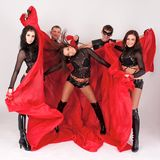 le fond costume des danseurs dansant le gris Photos libres de droits