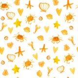 Le fond d'été avec des crabes de plage, les coeurs et l'étoile pêchent Texture sans couture ensoleillée de vecteur Image stock