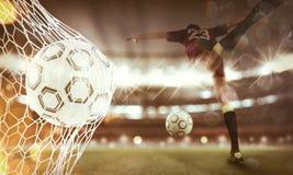 Le fond d'un ballon de football marque un but sur le filet rendu 3d Photos stock
