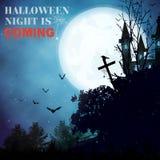 Le fond de Halloween avec blackforest, battes, croix, a hanté hous Photographie stock libre de droits