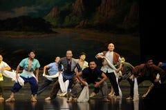 Le fond de l'opéra de Jiangxi de personnes de fonctionnement une balance Images libres de droits