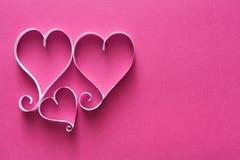 Le fond de Valentine avec le coeur de papier fait main forme la décoration Photographie stock libre de droits
