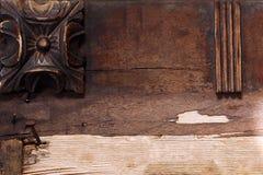 Le fond des rosettes en bois de brun foncé copient l'espace Images libres de droits