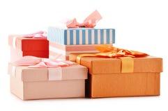 le fond enferme dans une boîte le blanc de cadeau Photographie stock libre de droits