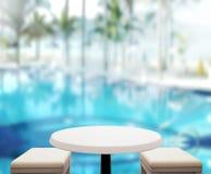Le fond et la piscine en bois 3d de dessus de Tableau rendent Photographie stock