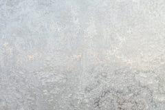 Le fond ou la texture du hoar ou le givre sur le verre de fenêtre image libre de droits