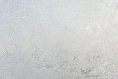 Le fond ou la texture du hoar ou le givre sur le verre de fenêtre images stock