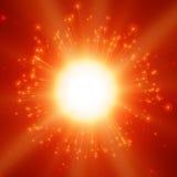 Le fond rouge de vecteur d'explosion abstraite de feux d'artifice avec briller étincelle Feux d'artifice de célébration de nouvel Images libres de droits