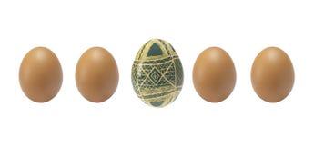 Le fond vide de Pâques avec les oeufs et le ressort de pâques fleurit photographie stock