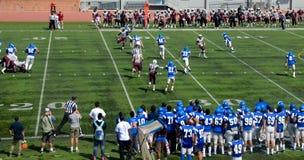 Le football américain d'université Photos libres de droits