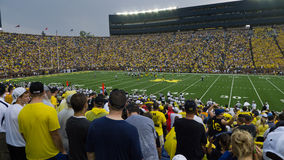 Le football d'Université du Michigan Image stock