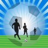 Le football de jeu Photos libres de droits