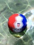 Le football 2018 de la Croatie en mer photos stock