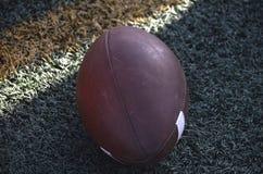 Le football de manière opérationnelle photos stock