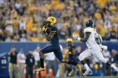 2015 le football de NCAA - GA @ WVU du sud Images stock