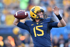 2015 le football de NCAA - GA @ WVU du sud Images stock