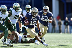 2015 le football de NCAA - la Floride du sud à la marine Photos libres de droits