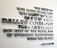 Le football de The Star de citation d'équipe de Jerry Jones Dallas Cowboys Inspirational image libre de droits