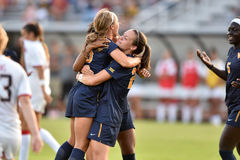 2015 le football des femmes de NCAA - le WVU-Maryland Images stock