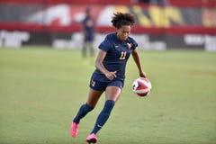 2015 le football des femmes de NCAA - le WVU-Maryland Photographie stock libre de droits