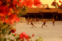 LE FOOTBALL DU FOOTBALL DE L'ASIE MYANMAR NYAUNGSHWE Photo libre de droits