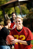 Le football : Femme courant avec la boule Photographie stock libre de droits