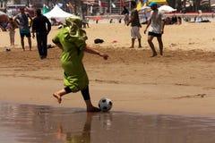 Le football sans frontières pour tous Image libre de droits