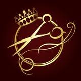 Le forbici e una corona di oro colorano il simbolo royalty illustrazione gratis