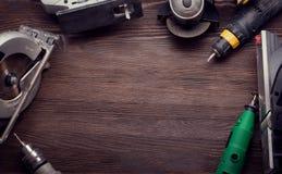 Le foret électrique de tournevis d'outils de bricolage a vu le jointer denteux compléter v Photographie stock libre de droits