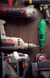 Le foret électrique de tournevis d'outils de bricolage a vu le jointer denteux compléter v Photo stock