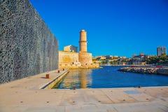 Le fort St John est reflété dans l'eau Photo stock