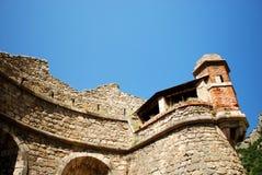 Le fortificazioni della città murata graziosa di Villfranche de Conflent nel sud della Francia Date medievali di questa città di  Immagine Stock Libera da Diritti