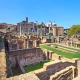 Le forum romain ruine le panorama. Site d'héritage de l'UNESCO. Rome, Italie. images stock