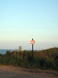 Le fossé de signe de stationnement de maître nageur raffine la plage Montauk New York Photographie stock libre de droits
