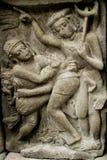 Le fourneau de soulagement de Ramayanan découpe sur le temple de Prambana images stock