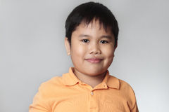 le för stående för pojke lyckligt Royaltyfria Foton