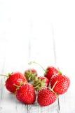 Le fragole dispongono per testo Fotografia Stock