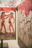 Le fresque de garçons de boxe de Thera dans le musée Image libre de droits