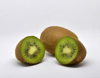 le fruit de fond a isolé le blanc de kiwi Photo libre de droits