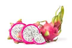 Le fruit de fruit du dragon frais ou de Pitahaya d'isolement sur le blanc Images stock