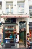 Le Funambule,著名自创奶蛋烘饼商店布鲁塞尔大广场在Manneken Pis地标旁边位于布鲁塞尔,比利时 图库摄影