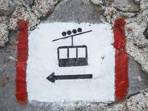 Le funiculaire se connectent une roche Photo libre de droits