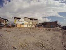 Le fusil d'assaut de l'OTAN G3 de 7 Tremblement de terre de 8 grandeurs qui a secoué l'Equateur, Amérique du Sud Photos libres de droits