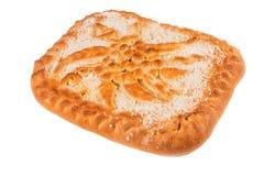 Le gâteau délicieux sur un blanc a isolé le fond, plan rapproché photos libres de droits