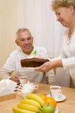 Le gâteau d'anniversaire Images libres de droits