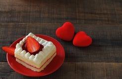Le gâteau de fraise est dessert Photo libre de droits