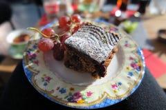Le gâteau rencontre le fruit Image libre de droits