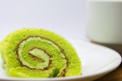 Le gâteau roule sur le plat Photo stock